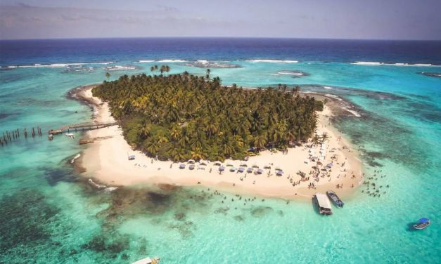 The Most Ethereal Treasure Islands/Atolls in the World